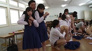 Big Japanese orgy in the classroom with beauties