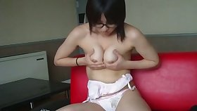 Become absent-minded Japanese camgirl is good-looking and erotic and she loves masturbating so much